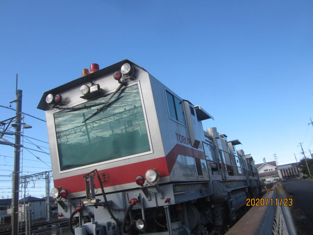 なぞの電車